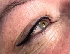 Makijaż permanentny kreska